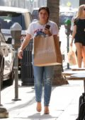 Ariel Winter picks up some cupcakes from Sprinkles in Beverly Hills, Los Angeles