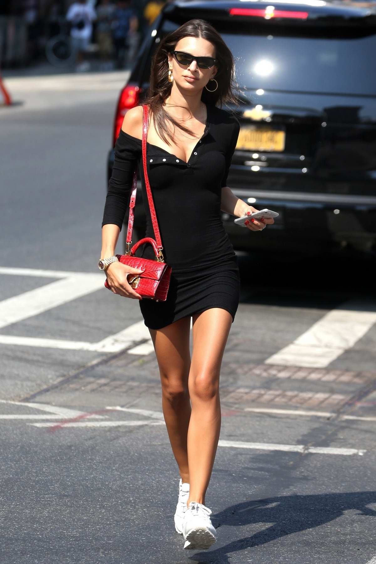Emily Ratajkowski spotted while touching up her makeup after lunch in New York City