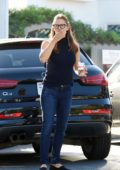 Jennifer Garner takes her kids for ice cream in Brentwood, Los Angeles