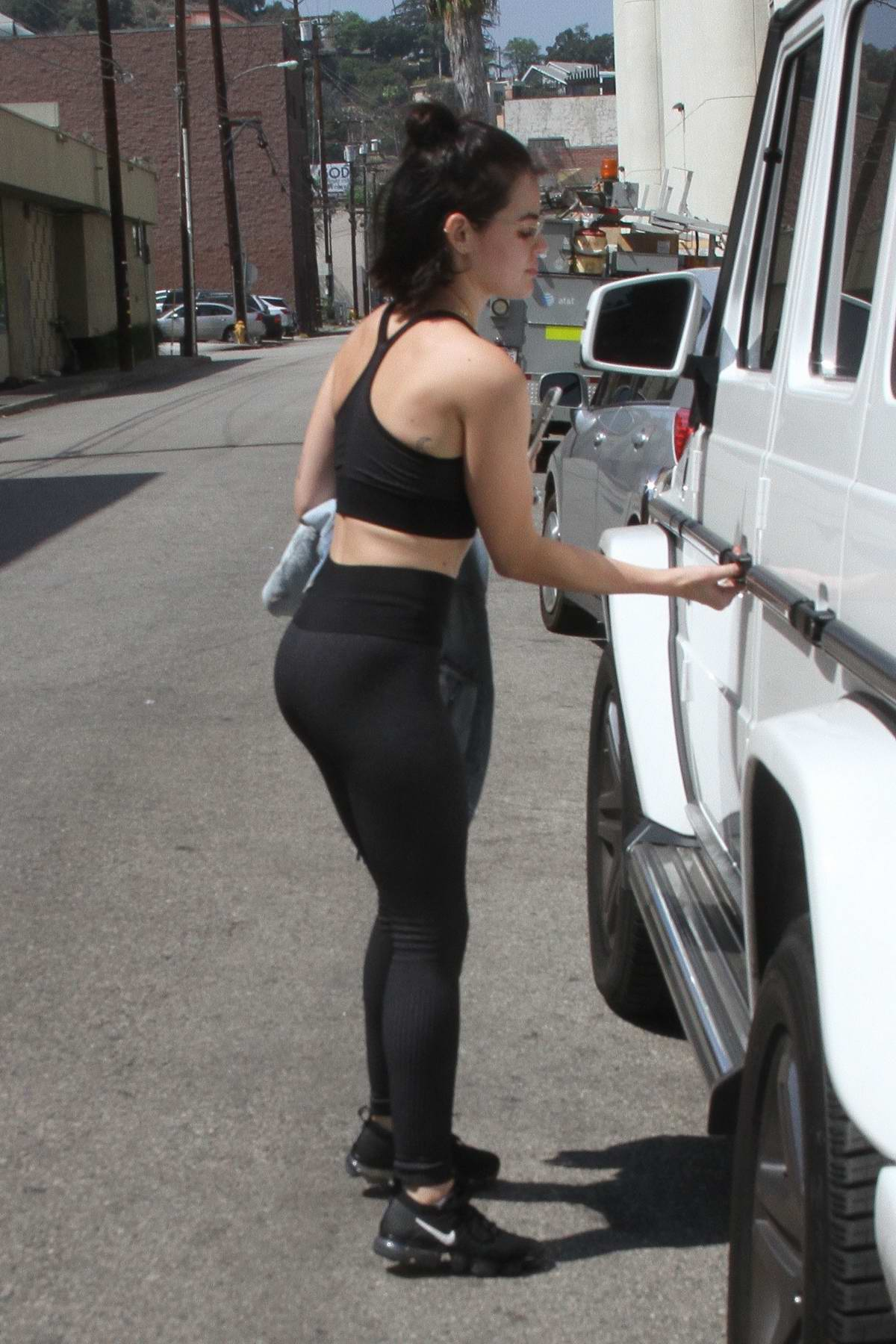 f3494c7a87335 lucy hale heads out in a black sports bra and leggings after a workout  session at a gym in los angeles-010918_9