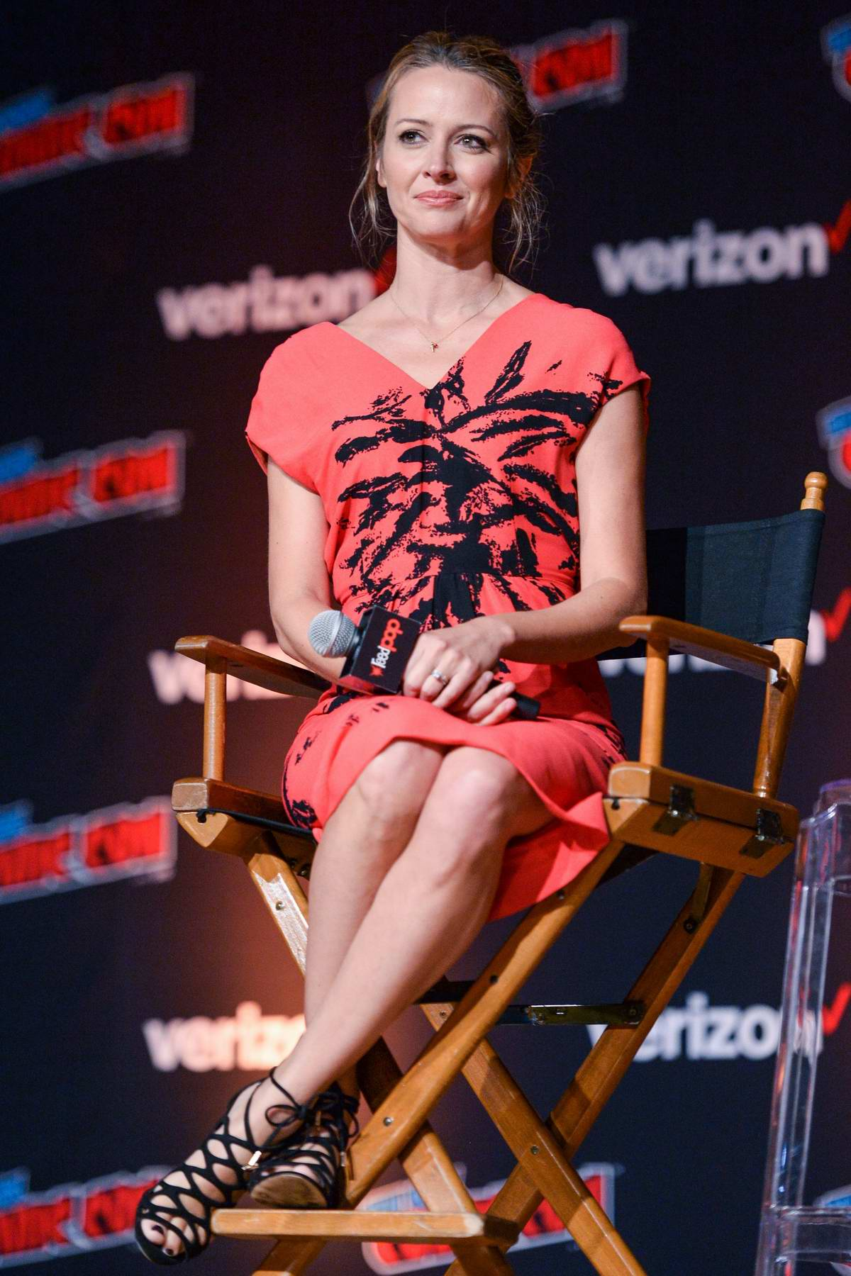 Amy Acker attends 'The Gifted' panel during New York Comic Con 2018 (NYCC 2018) in New York City