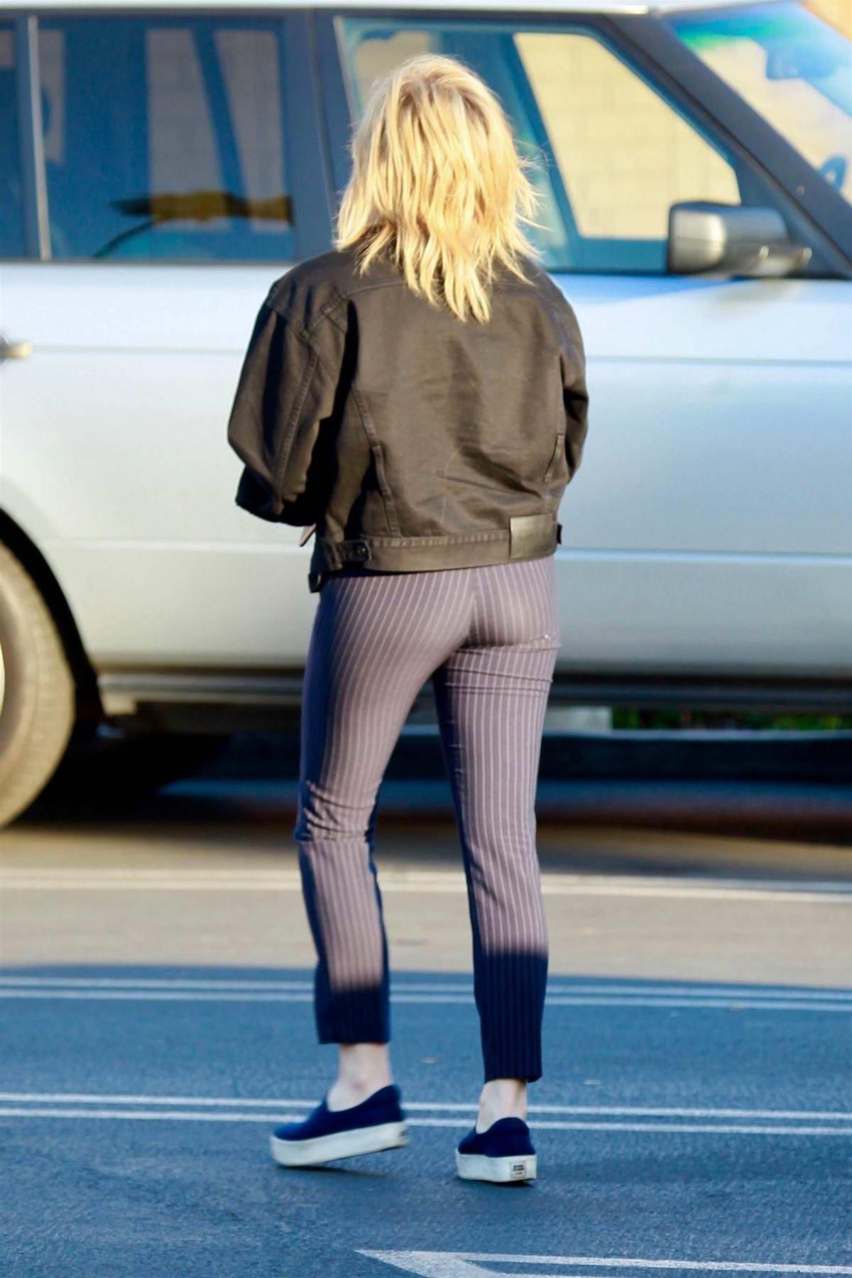 Chloe Moretz Booty In Tights