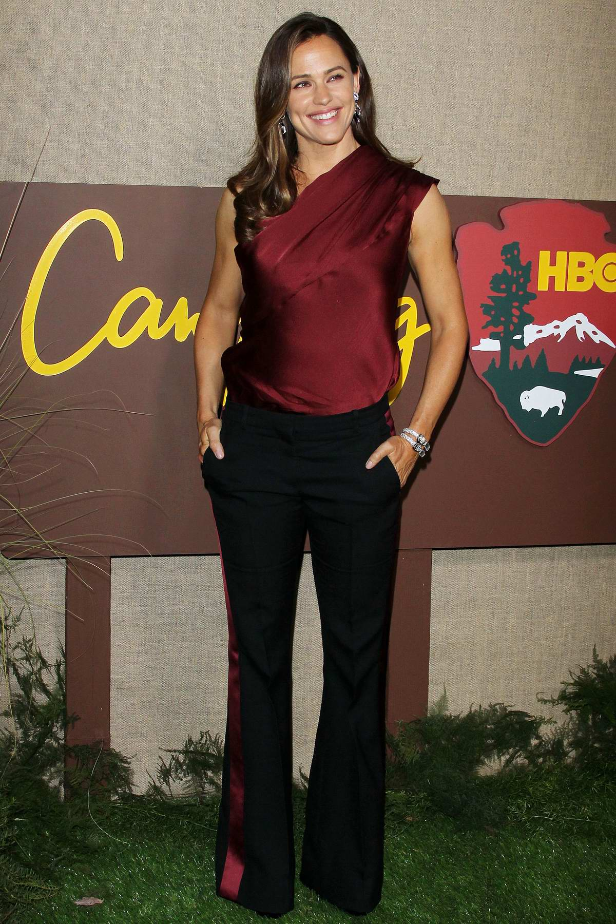 Jennifer Garner attends the premiere of HBO's new show 'Camping' in Los Angeles