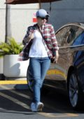 Rachel McAdams stops by to pick up some vegetables at Gelsons in Los Angeles