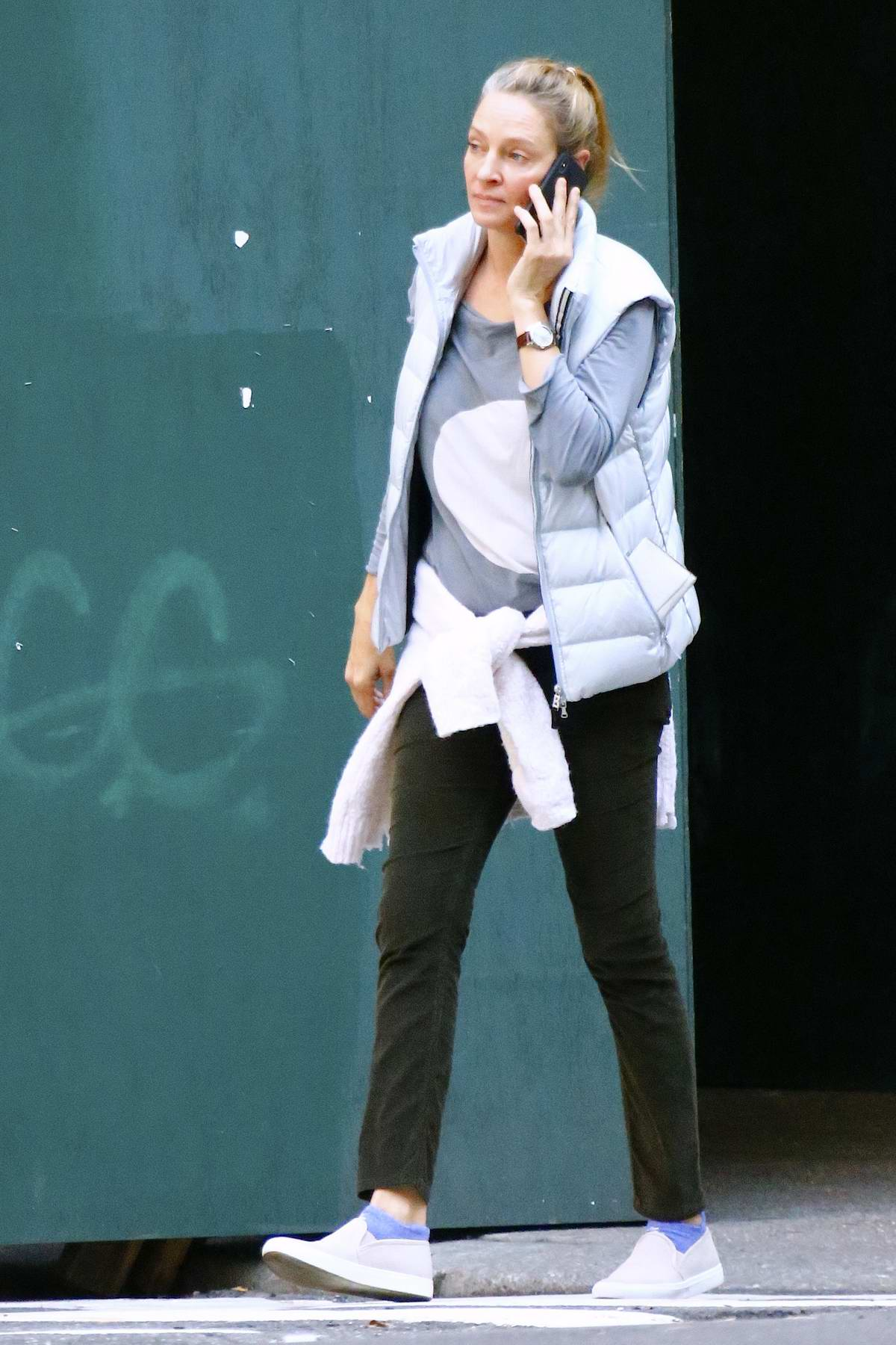 uma thurman out for a stroll with her daughter maya hawke on
