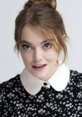 Emma Stone attends 'The Favourite' Press Conference and Photocall at the Four Seasons Hotel in Beverly Hills, Los Angeles