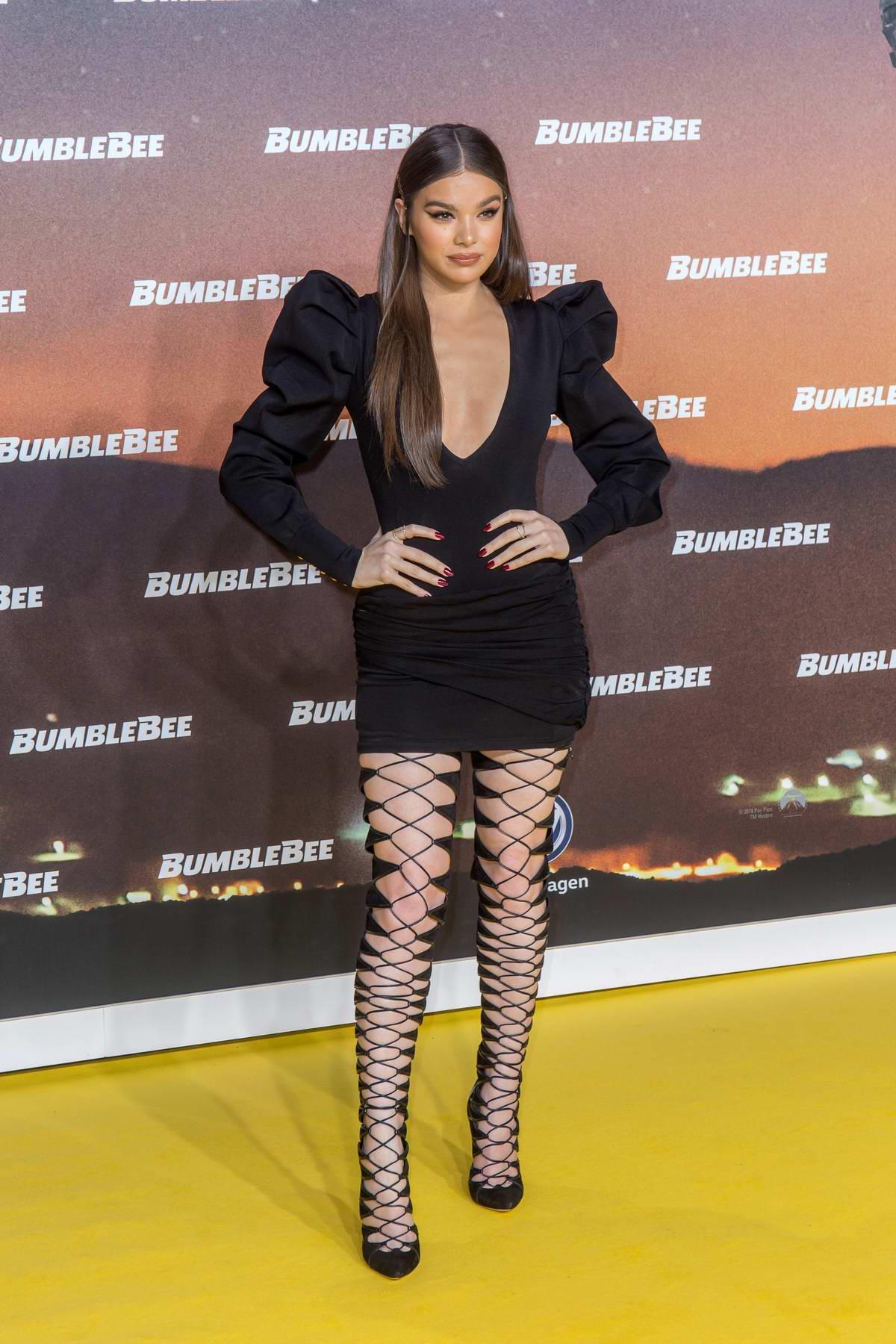 Hailee Steinfeld attends the Special Fan-Screening of 'Bumblebee' in Berlin, Germany