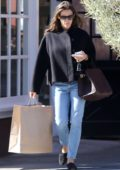 Jennifer Garner steps out for some shopping at the Country Mart in Santa Monica, California