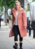 Kristen Bell steps out make-up free to grab a fresh juice in Los Feliz, California