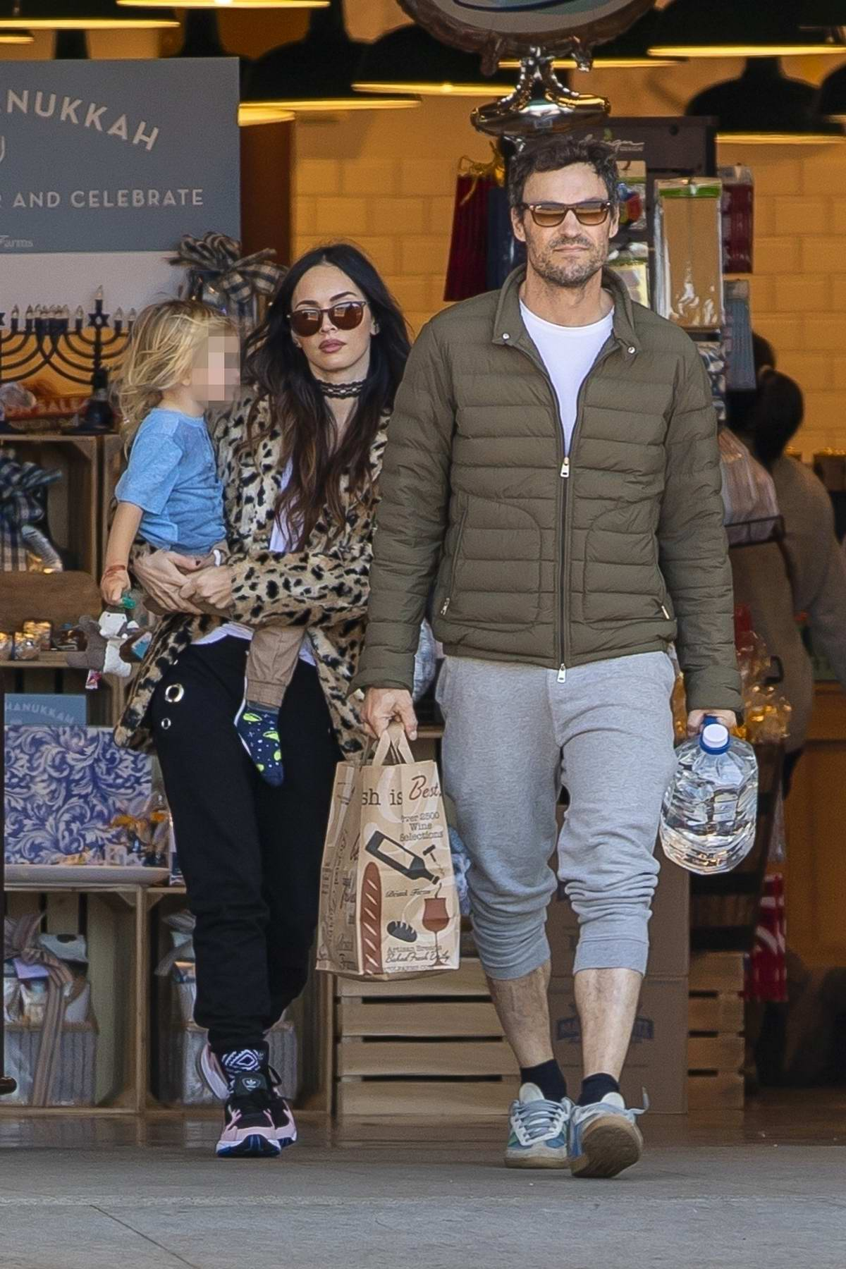 00a5ee4faf1 megan fox wore a leopard print coat as she stepped out with brian ...