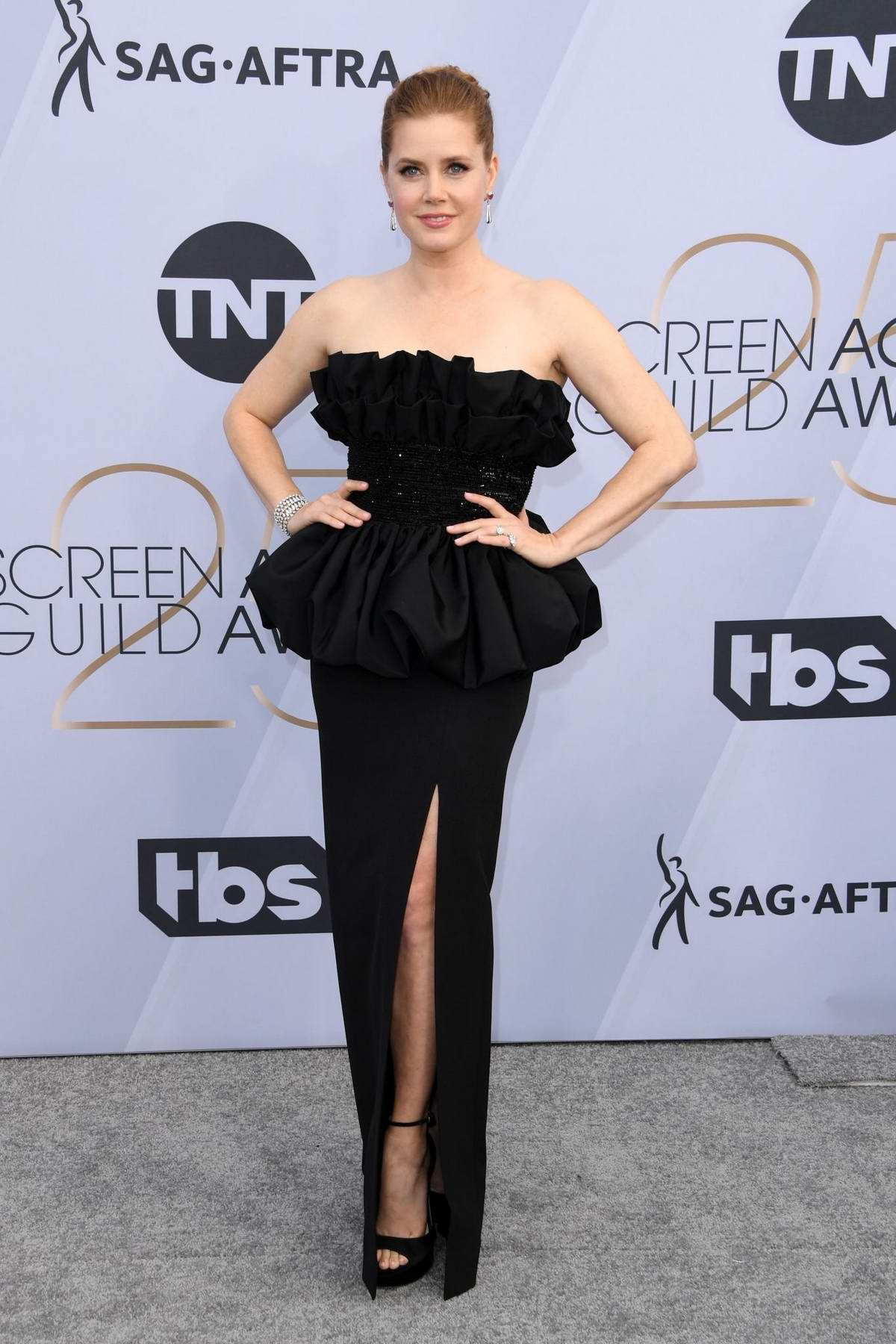 Amy Adams attends the 25th Annual Screen Actors Guild Awards (SAG 2019) at the Shrine Auditorium in Los Angeles