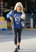 Holly Madison grabs some breakfast to go from Whole Foods in Los Angeles