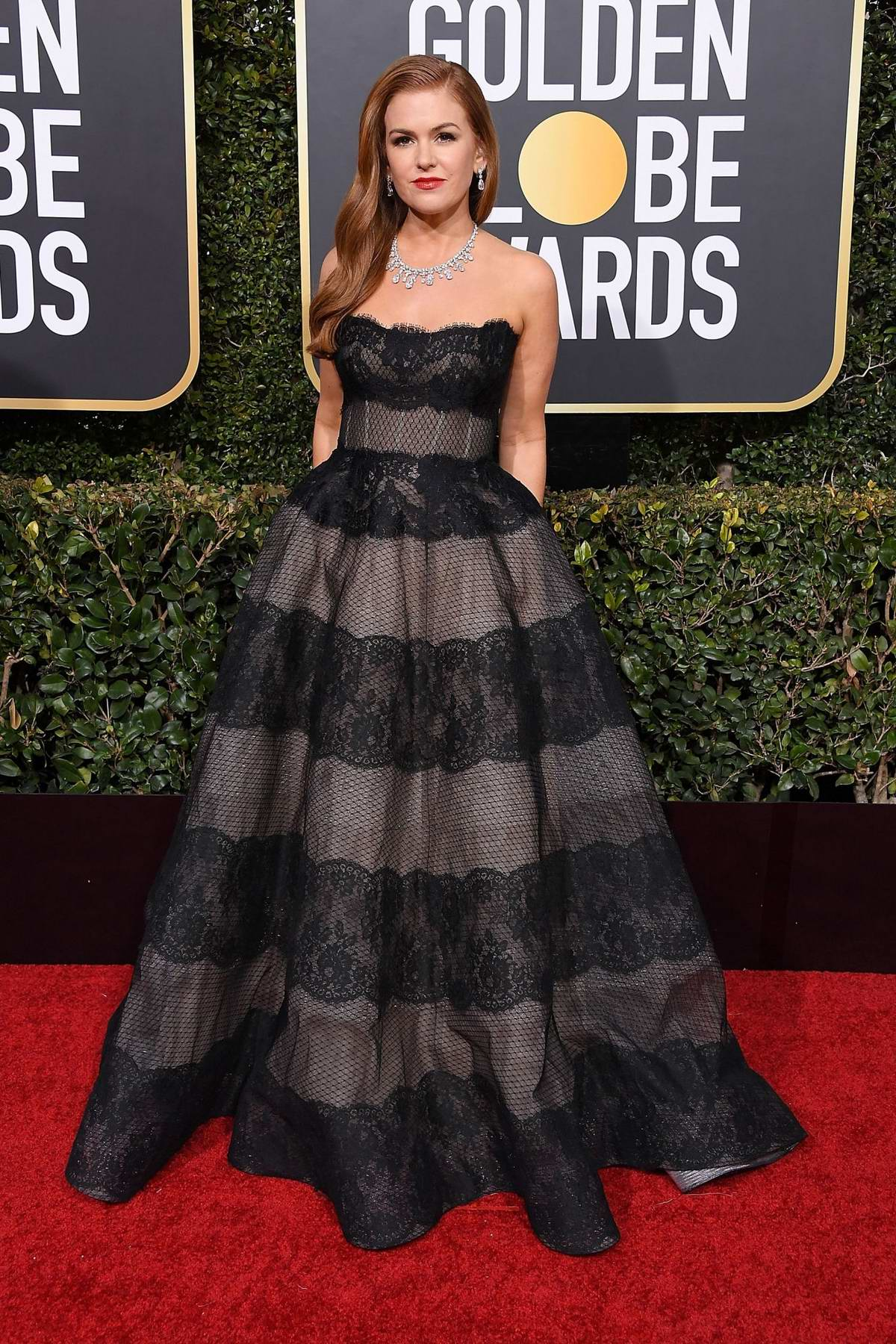 Isla Fisher attends the 76th Annual Golden Globe Awards held at The Beverly Hilton Hotel in Los Angeles, California