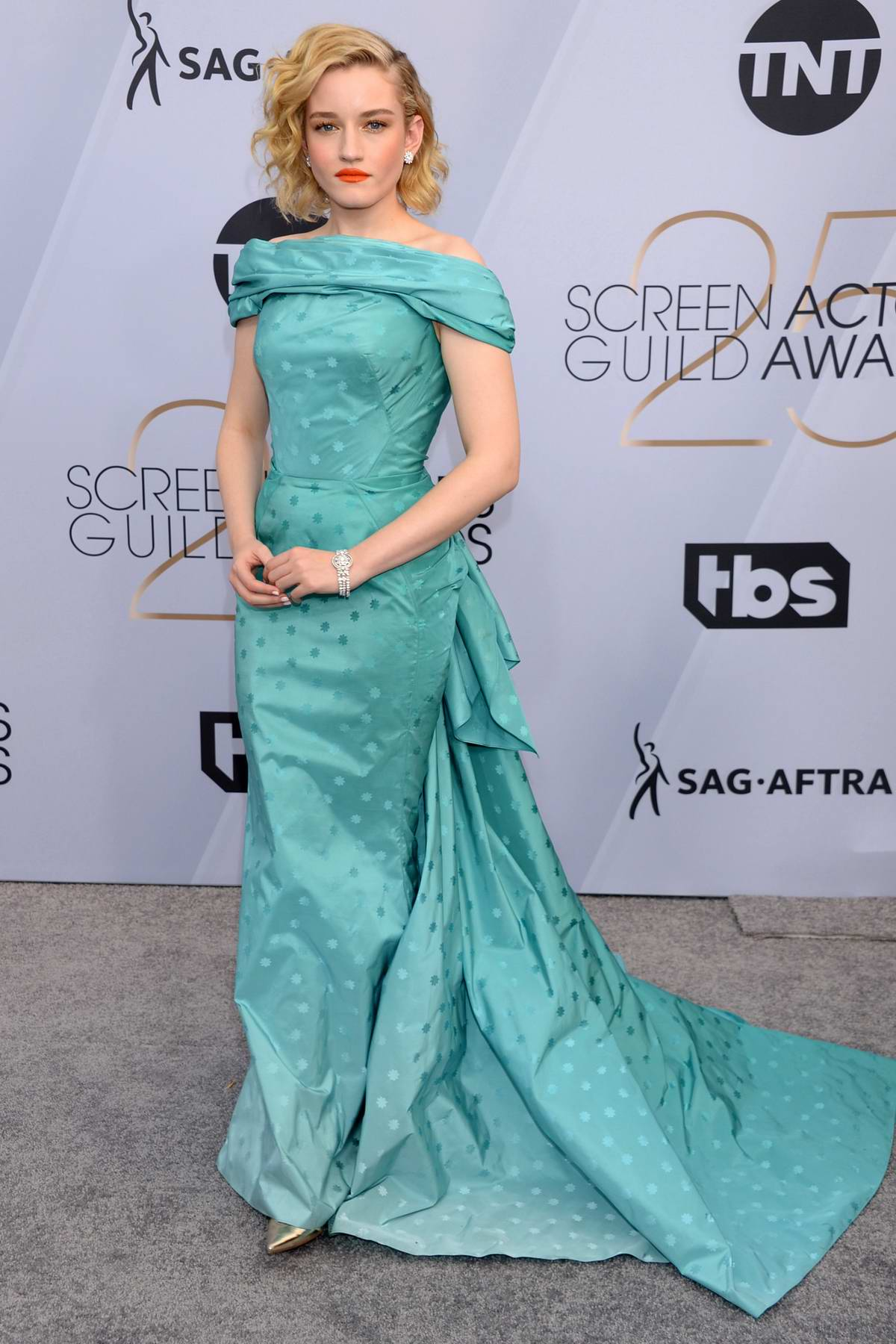Julia Garner attends the 25th Annual Screen Actors Guild Awards (SAG 2019) at the Shrine Auditorium in Los Angeles