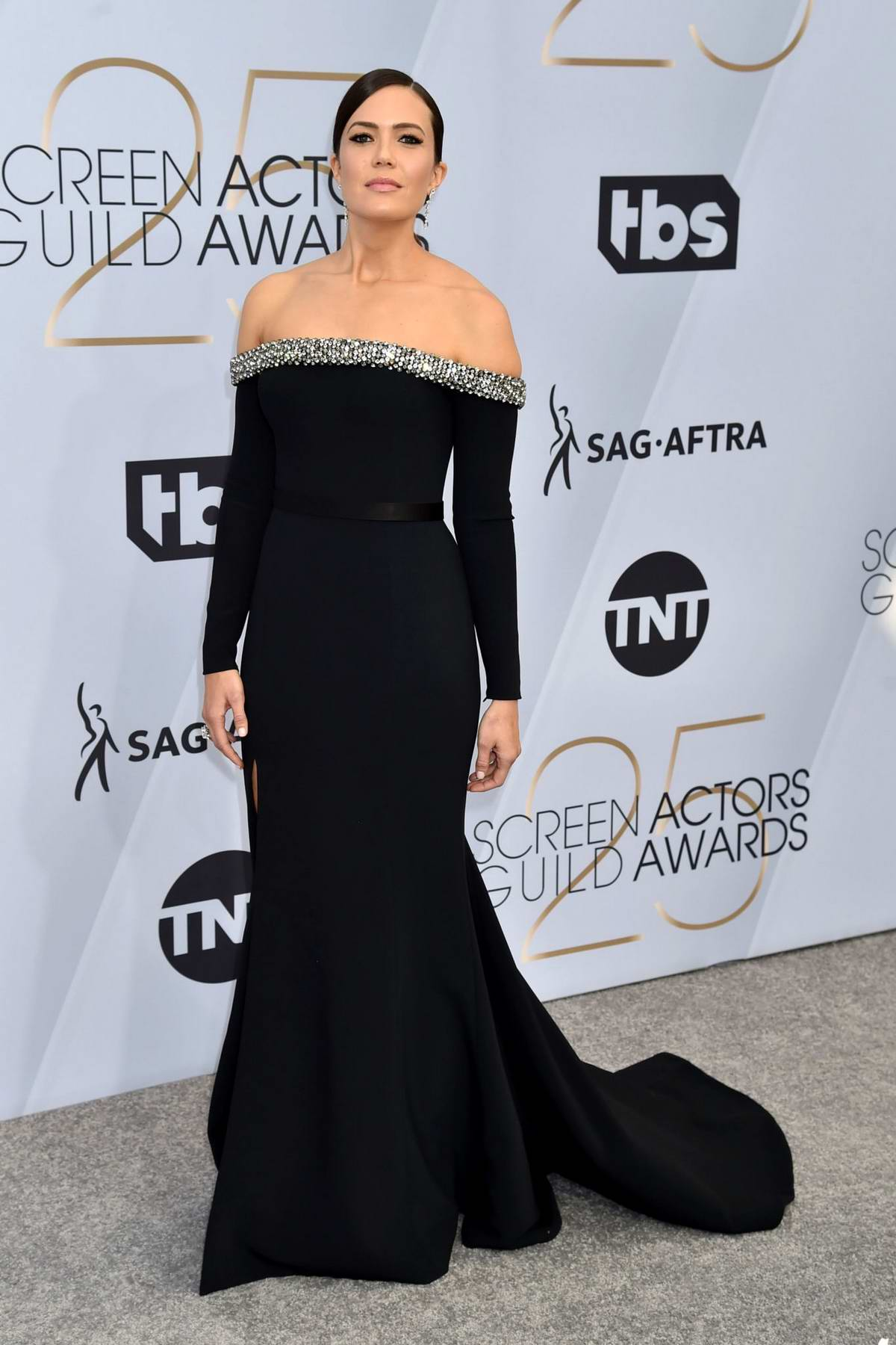 Mandy Moore attends the 25th Annual Screen Actors Guild Awards (SAG 2019) at the Shrine Auditorium in Los Angeles
