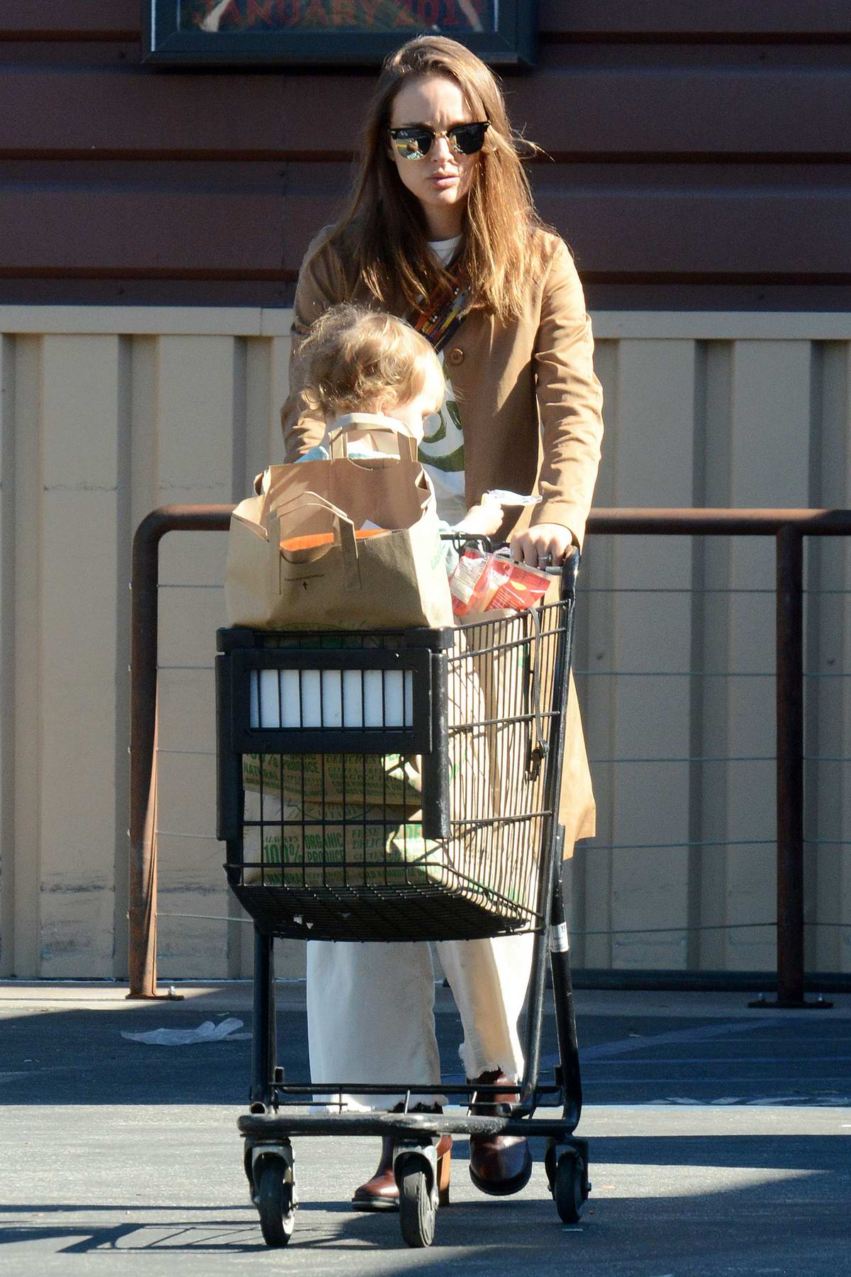 Natalie Portman and daughter leaving Lassen's Natural Foods in Los Angeles