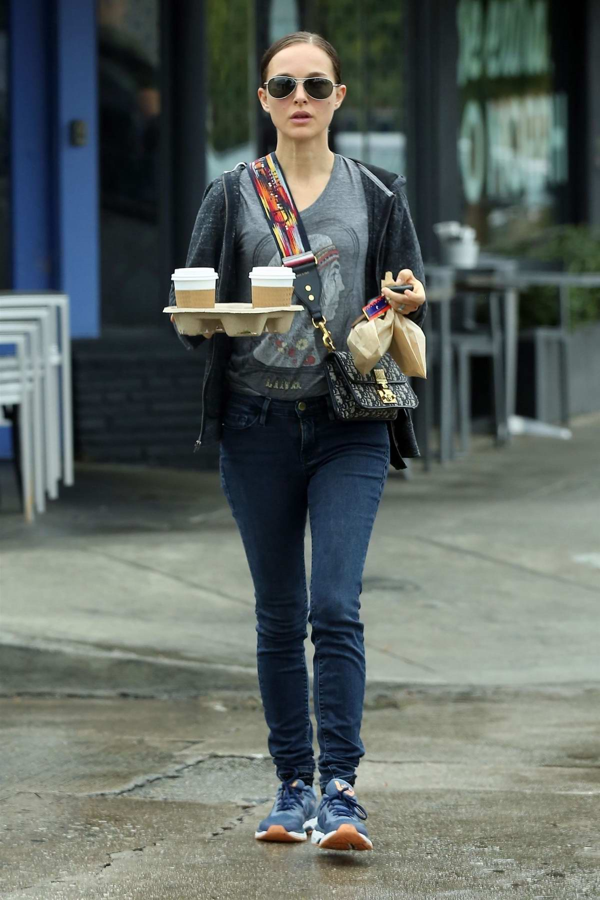 Natalie Portman steps out to pick up some coffee and snacks in Los Feliz, California