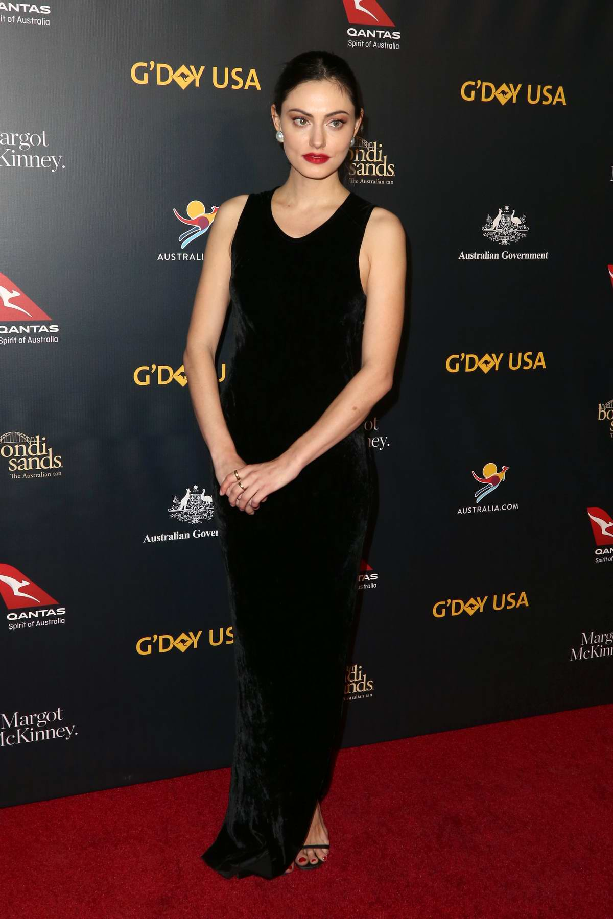 Phoebe Tonkin attends 16th annual G'Day USA Los Angeles Gala in Los Angeles