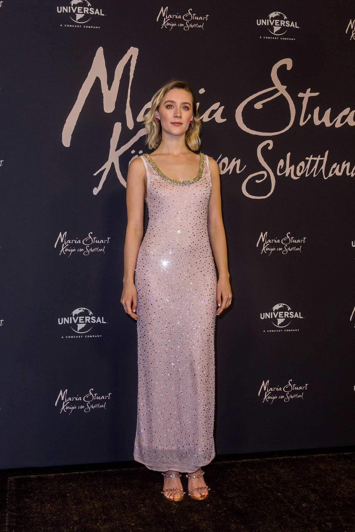 Saoirse Ronan attends Maria Queen of Scotland photocall in Berlin, Germany