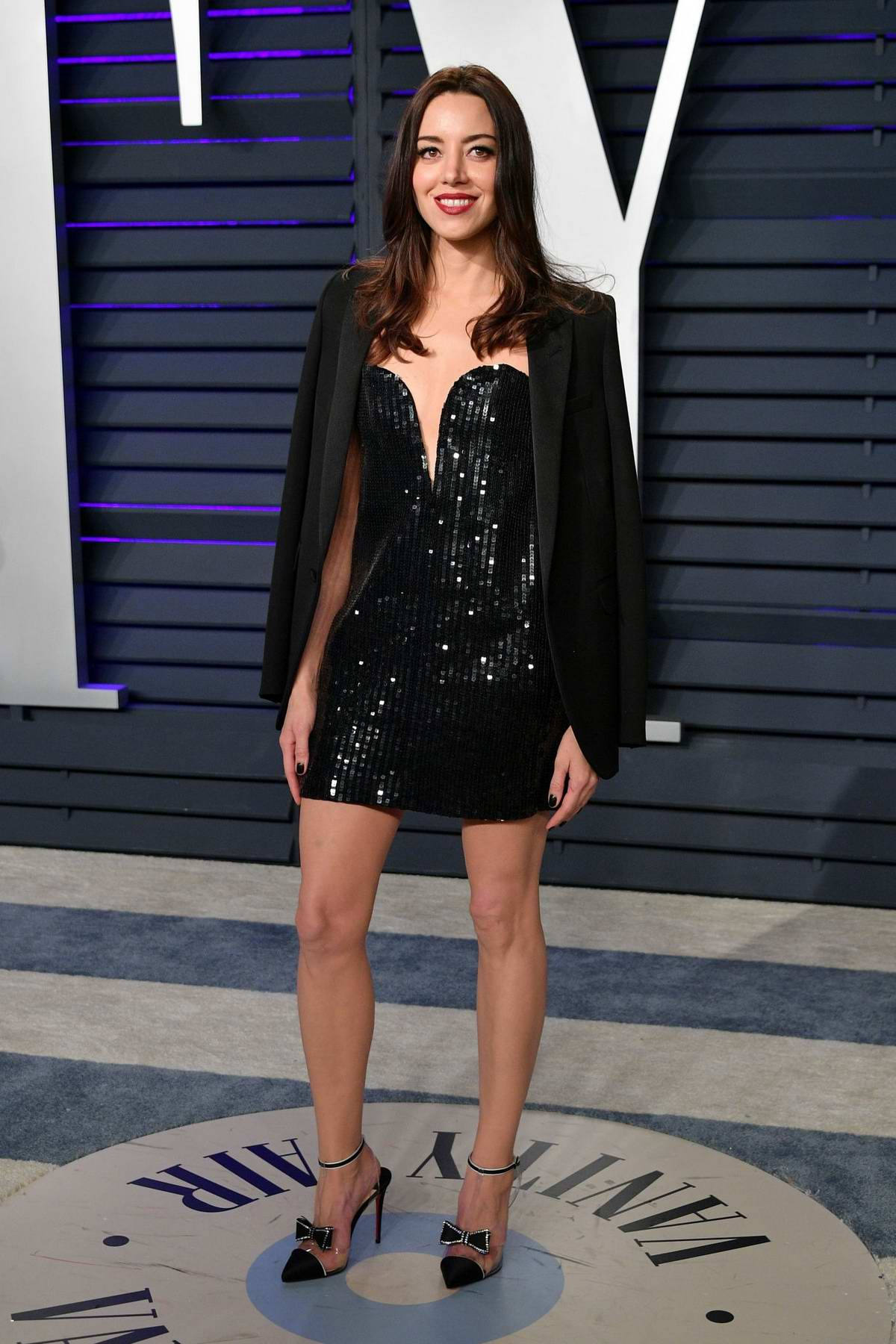 Aubrey Plaza attends the Vanity Fair Oscar Party at Wallis Annenberg Center for the Performing Arts in Beverly Hills, California
