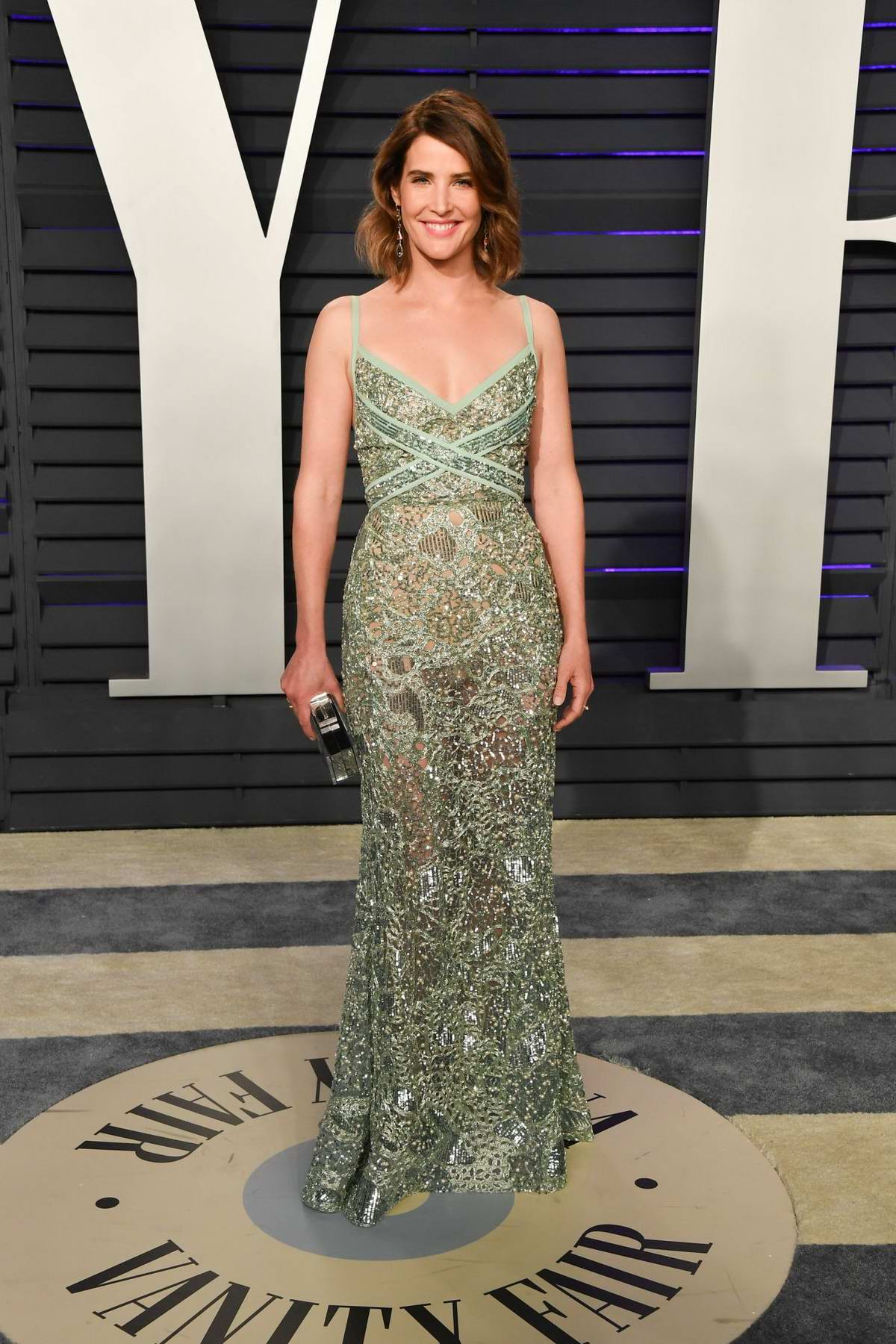 Cobie Smulders attends the Vanity Fair Oscar Party at Wallis Annenberg Center for the Performing Arts in Beverly Hills, California