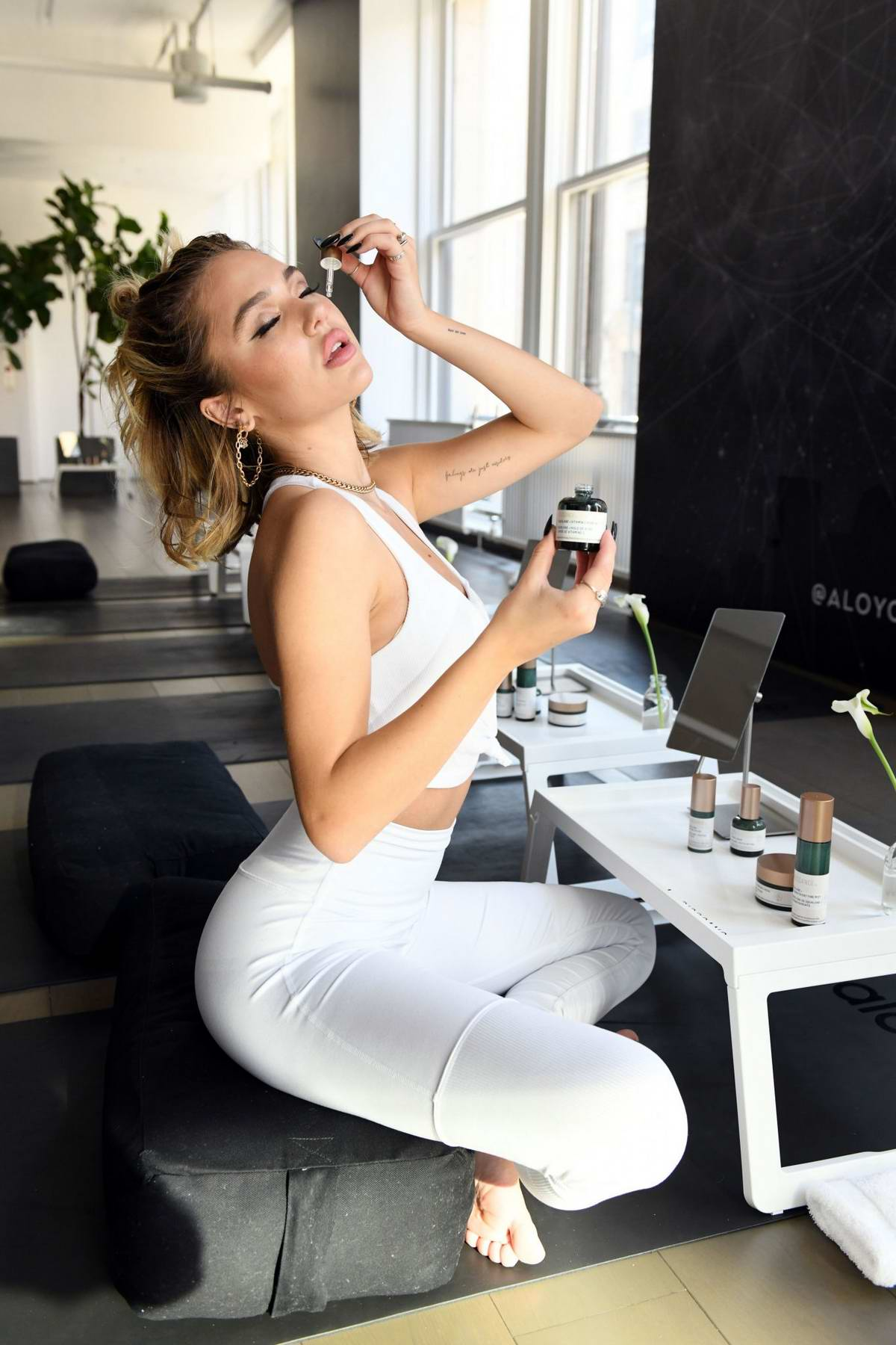Delilah Belle Hamlin At Flow Into Fashion Week With