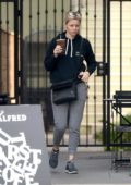Elizabeth Banks steps out Makeup free for an iced coffee in Los Angeles