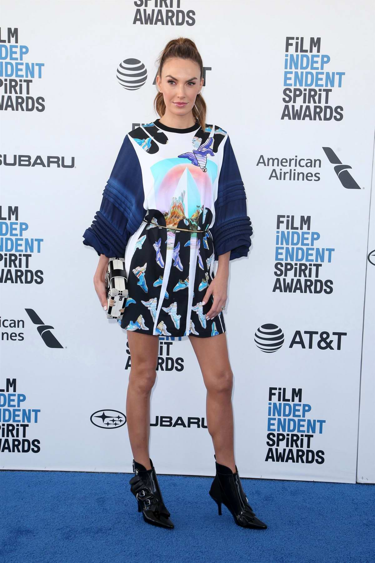 Elizabeth Chambers attends the 34th Film Independent Spirit Awards in Santa Monica, California