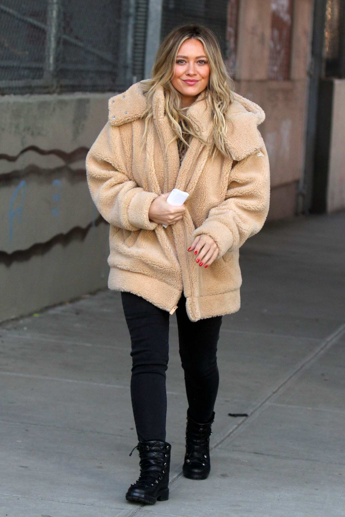 Hilary Duff spotted in multiple outfits while filming for her TV show 'Younger' in New York City
