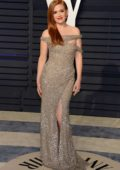 Isla Fisher attends the Vanity Fair Oscar Party at Wallis Annenberg Center for the Performing Arts in Beverly Hills, California