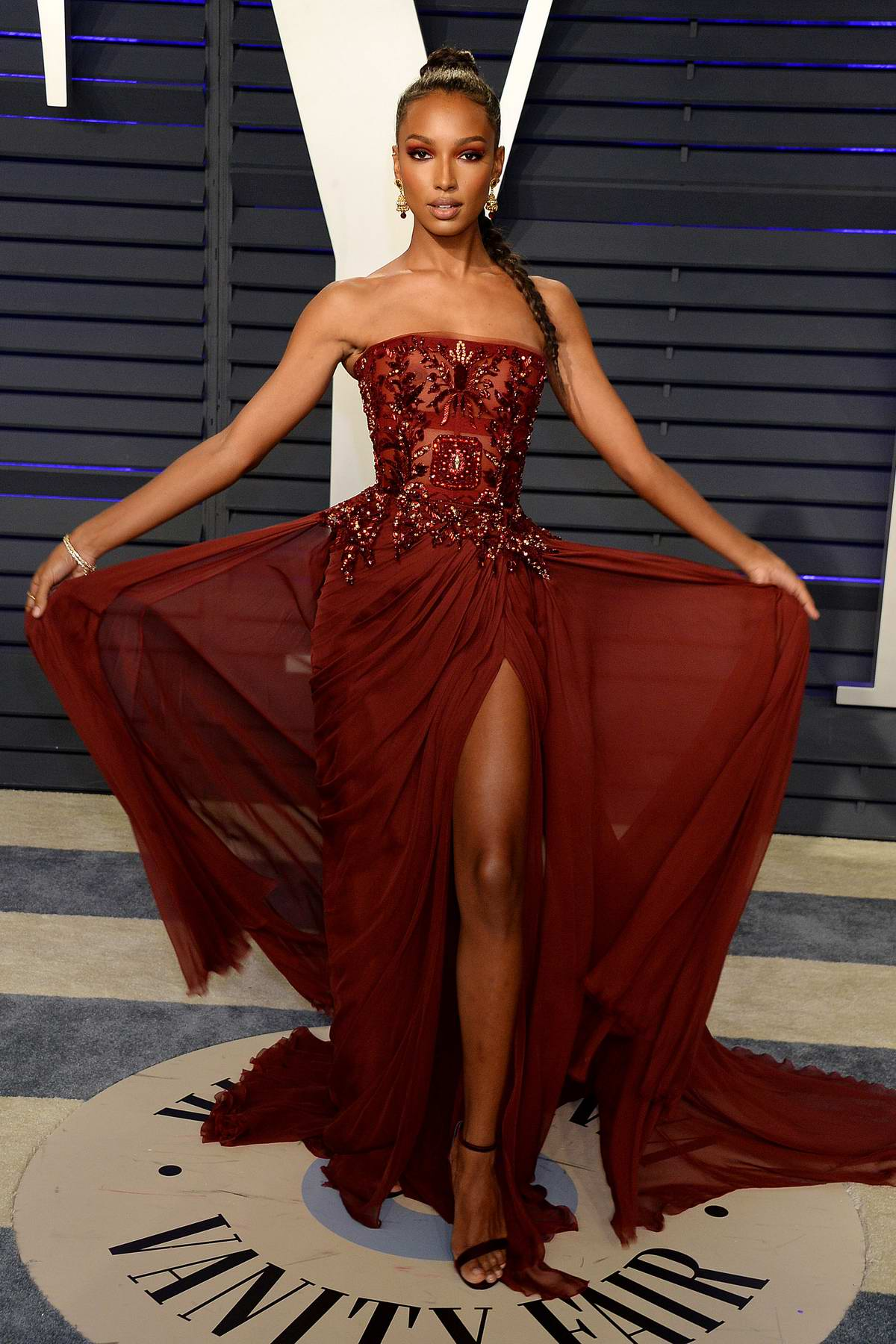 Jasmine Tookes attends the Vanity Fair Oscar Party at Wallis Annenberg Center for the Performing Arts in Beverly Hills, California