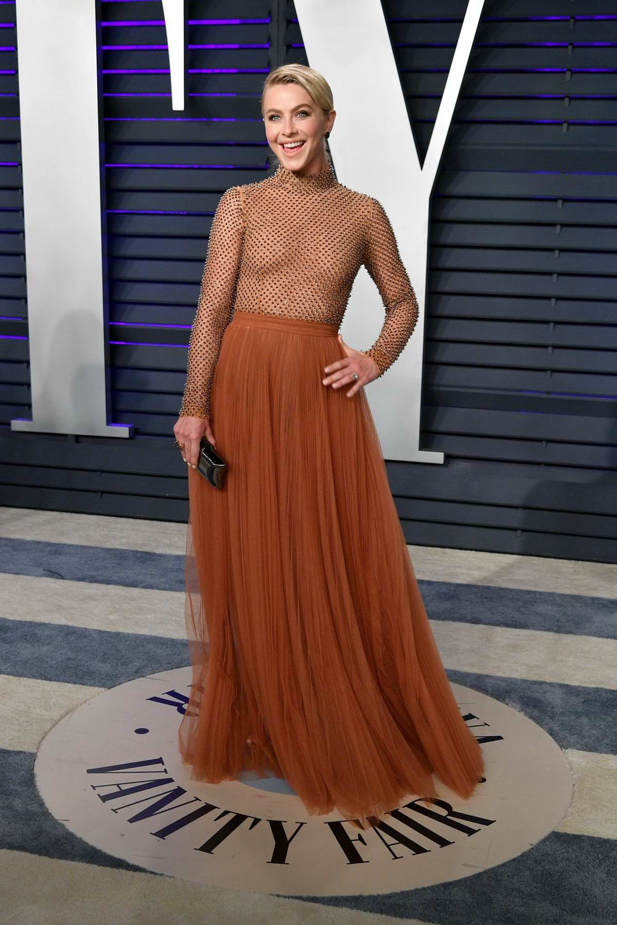 Julianne Hough attends the Vanity Fair Oscar Party at Wallis Annenberg Center for the Performing Arts in Beverly Hills, California