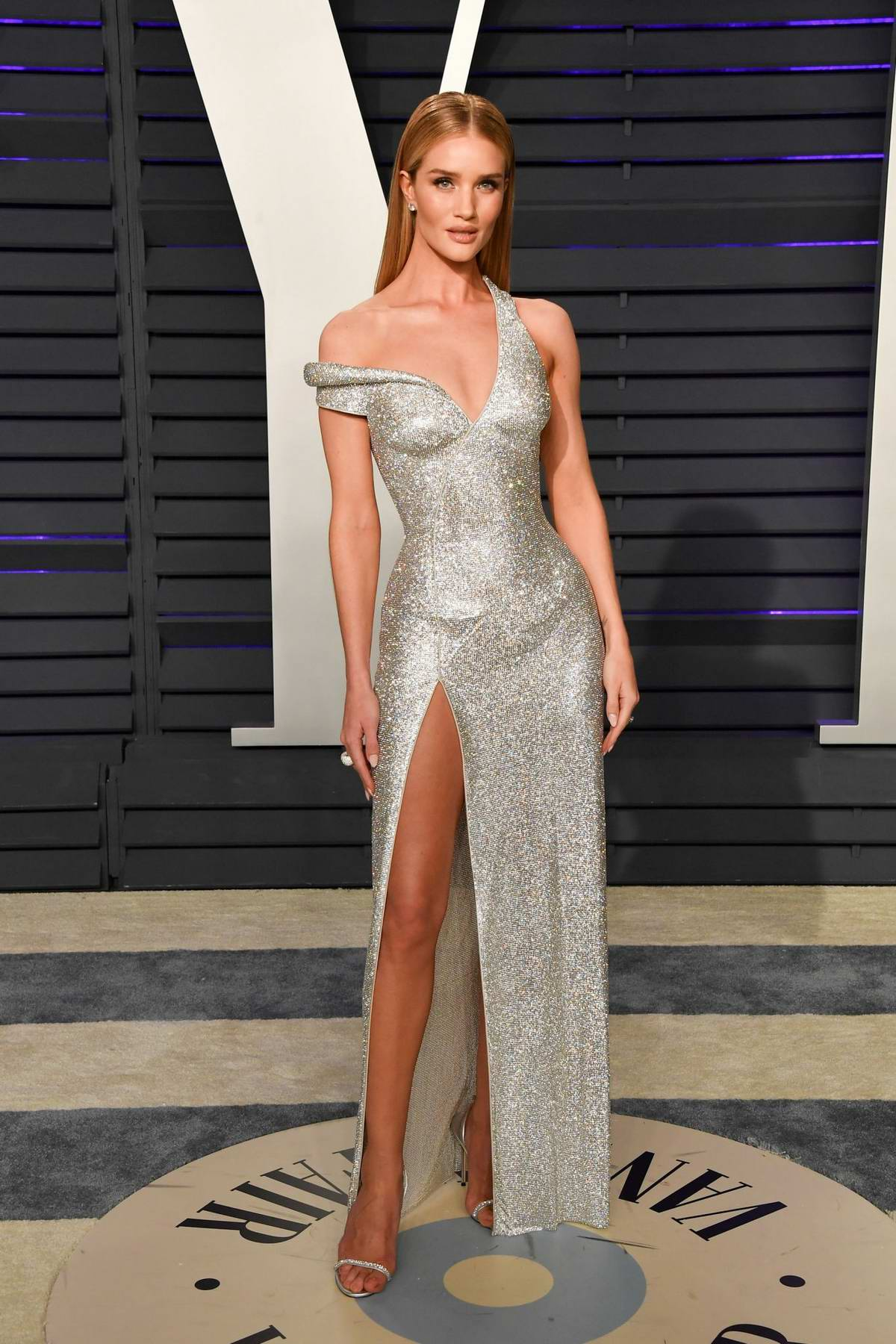Rosie Huntington-Whiteley attends the Vanity Fair Oscar Party at Wallis Annenberg Center for the Performing Arts in Beverly Hills, California
