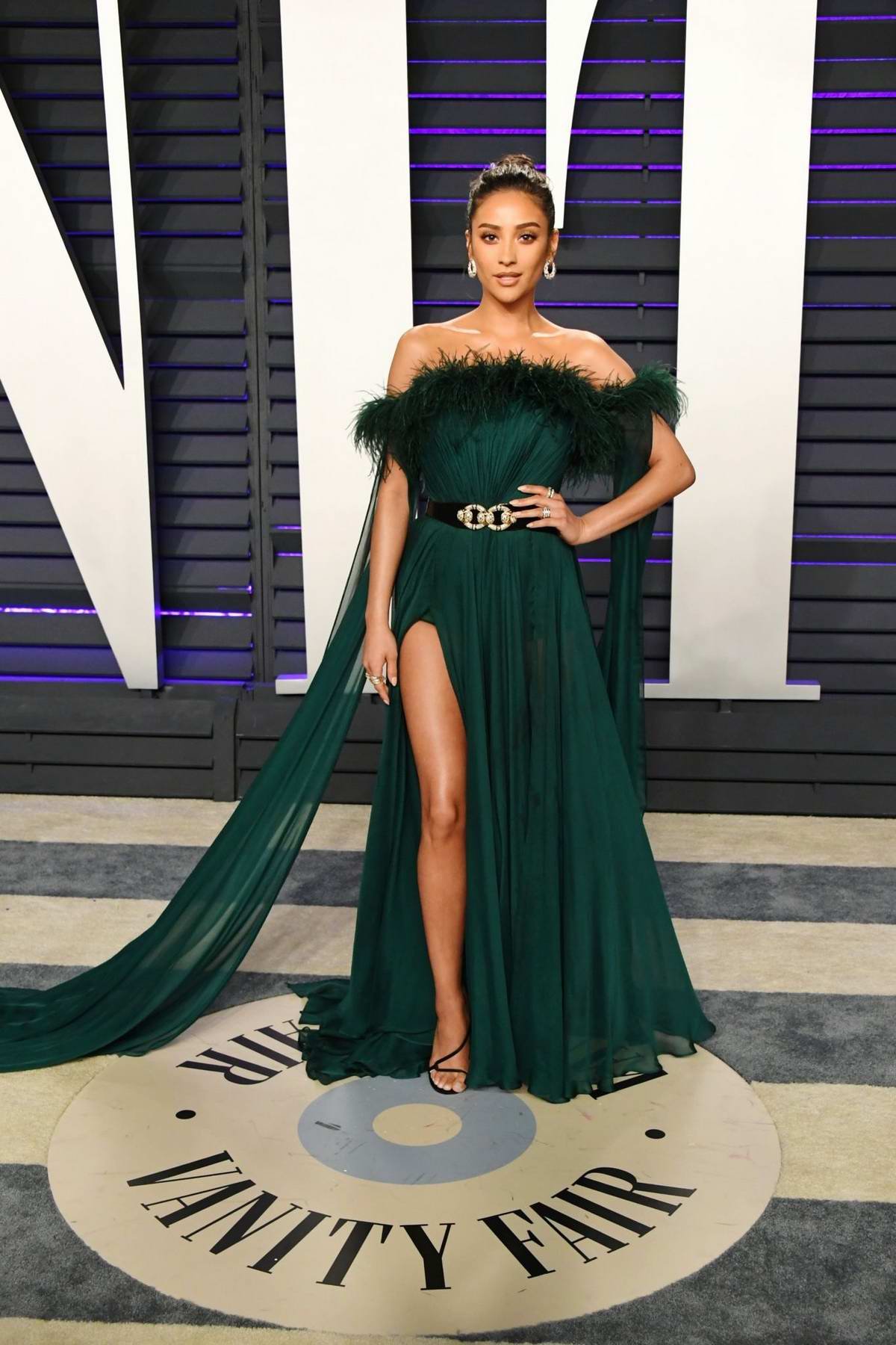 Shay Mitchell attends the Vanity Fair Oscar Party at Wallis Annenberg Center for the Performing Arts in Beverly Hills, California
