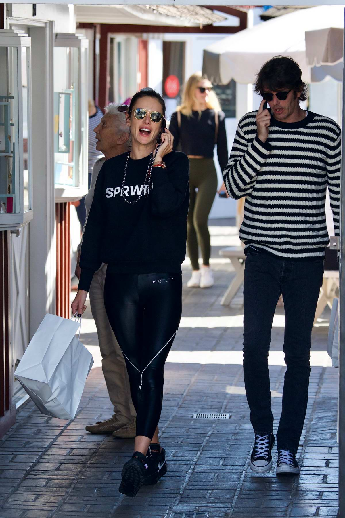 Alessandra Ambrosio and Nicolo Oddi grabs lunch before some shopping at Brentwood Country Mart in Brentwood, Los Angeles