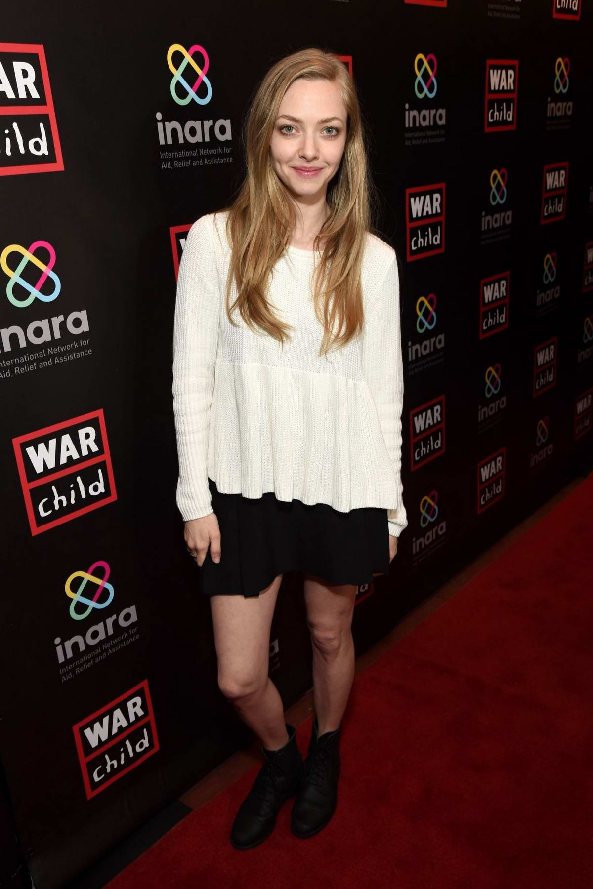 Amanda Seyfried attends the 'Good For'A Laugh' Comedy Benefit in support of children affected by war at Largo in Los Angeles