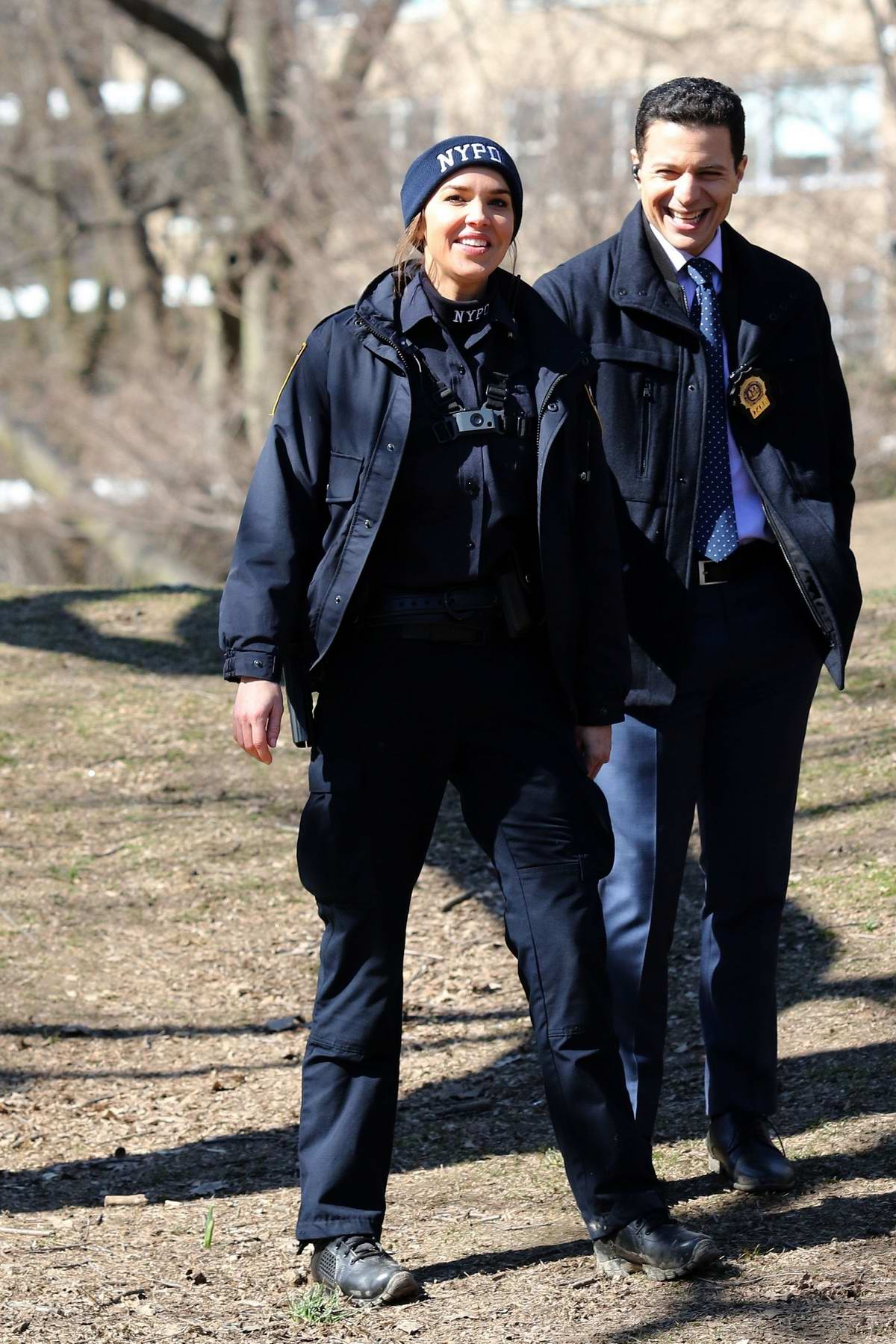 Arielle Kebbel spotted in NYPD uniform while filming 'The Bone Collector' spinoff pilot 'Lincoln' in New York City