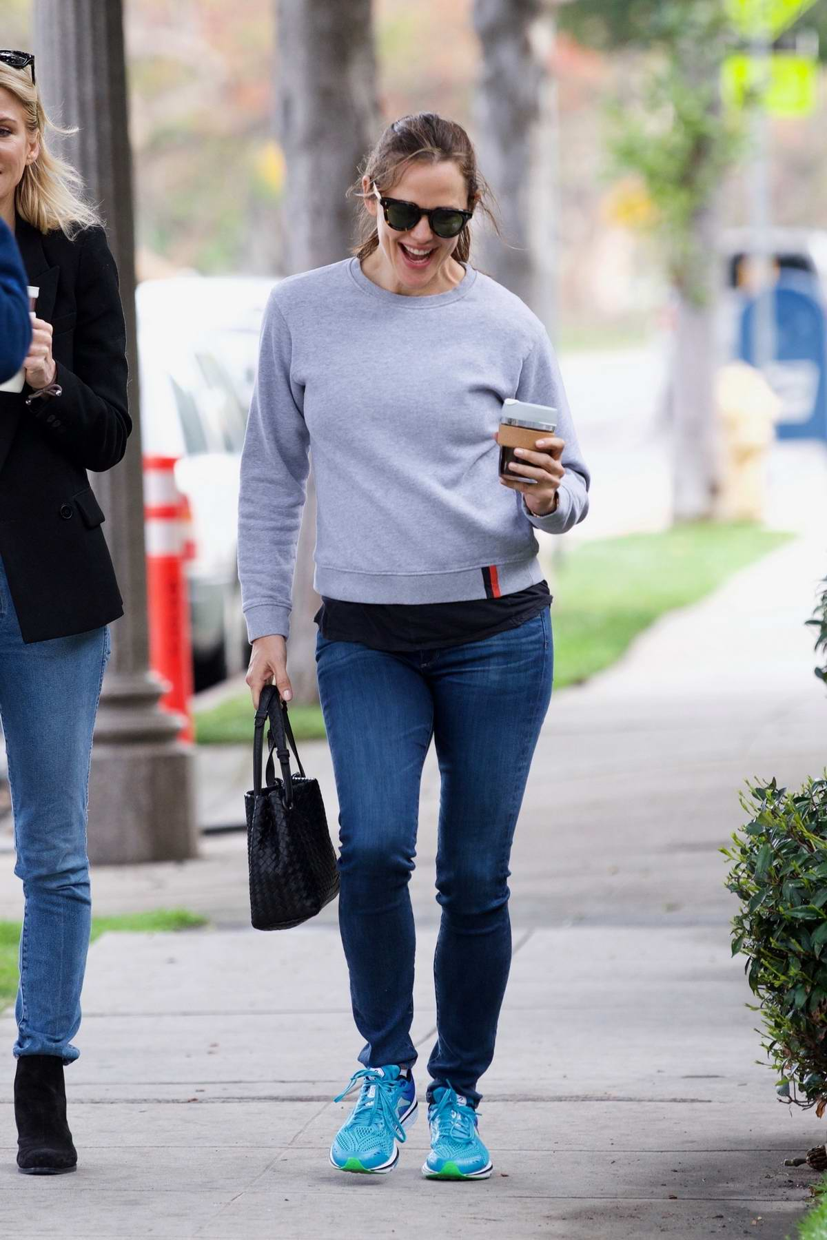 Jennifer Garner is all smiles while out grabbing coffee with her friend In Brentwood, Los Angeles