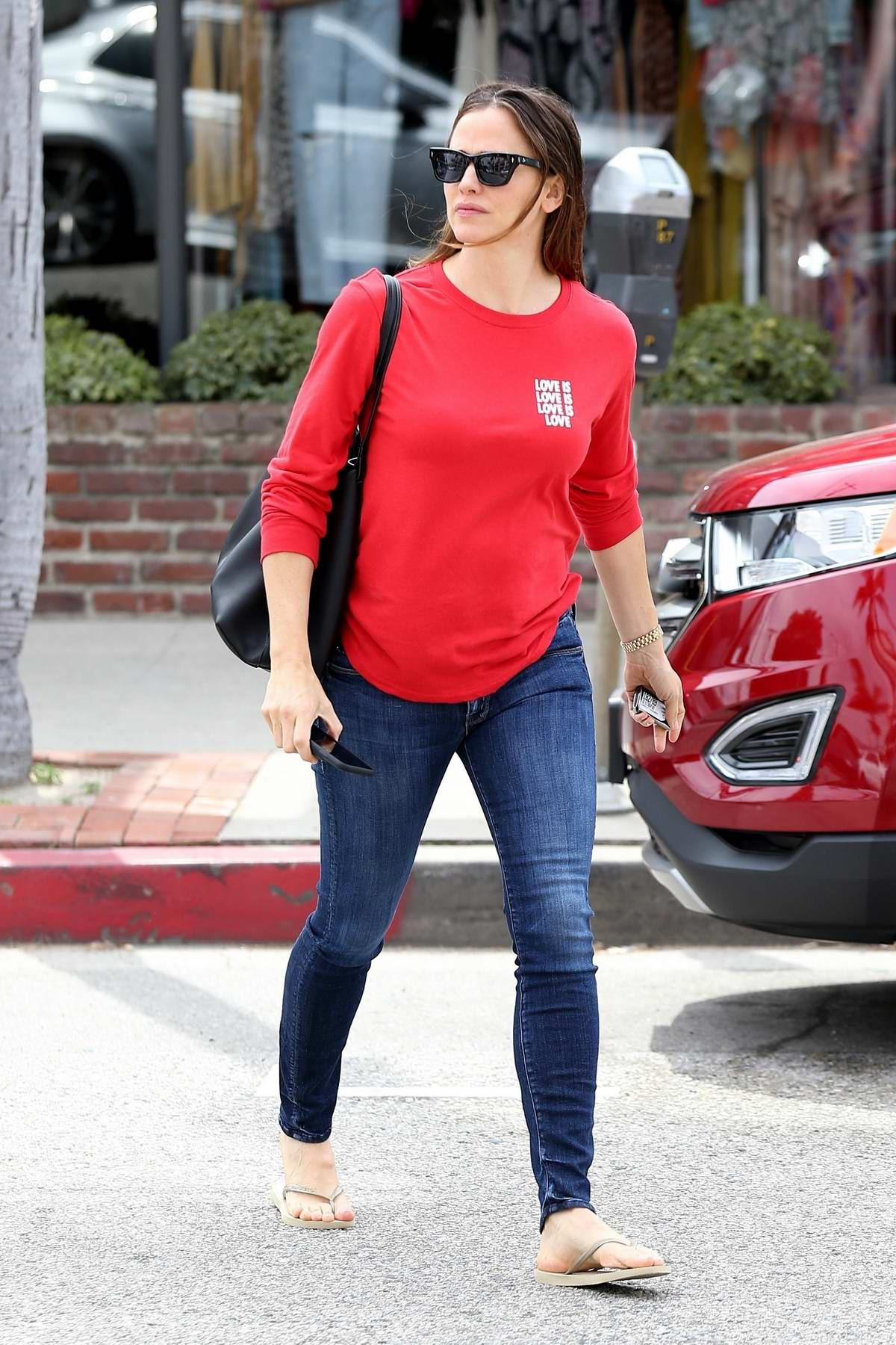 Jennifer Garner takes some time for herself and relaxes at a nail salon in Los Angeles