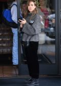 Jessica Alba grabs lunch at 25 Degrees at the Roosevelt Hotel on Hollywood Blvd in Los Angeles