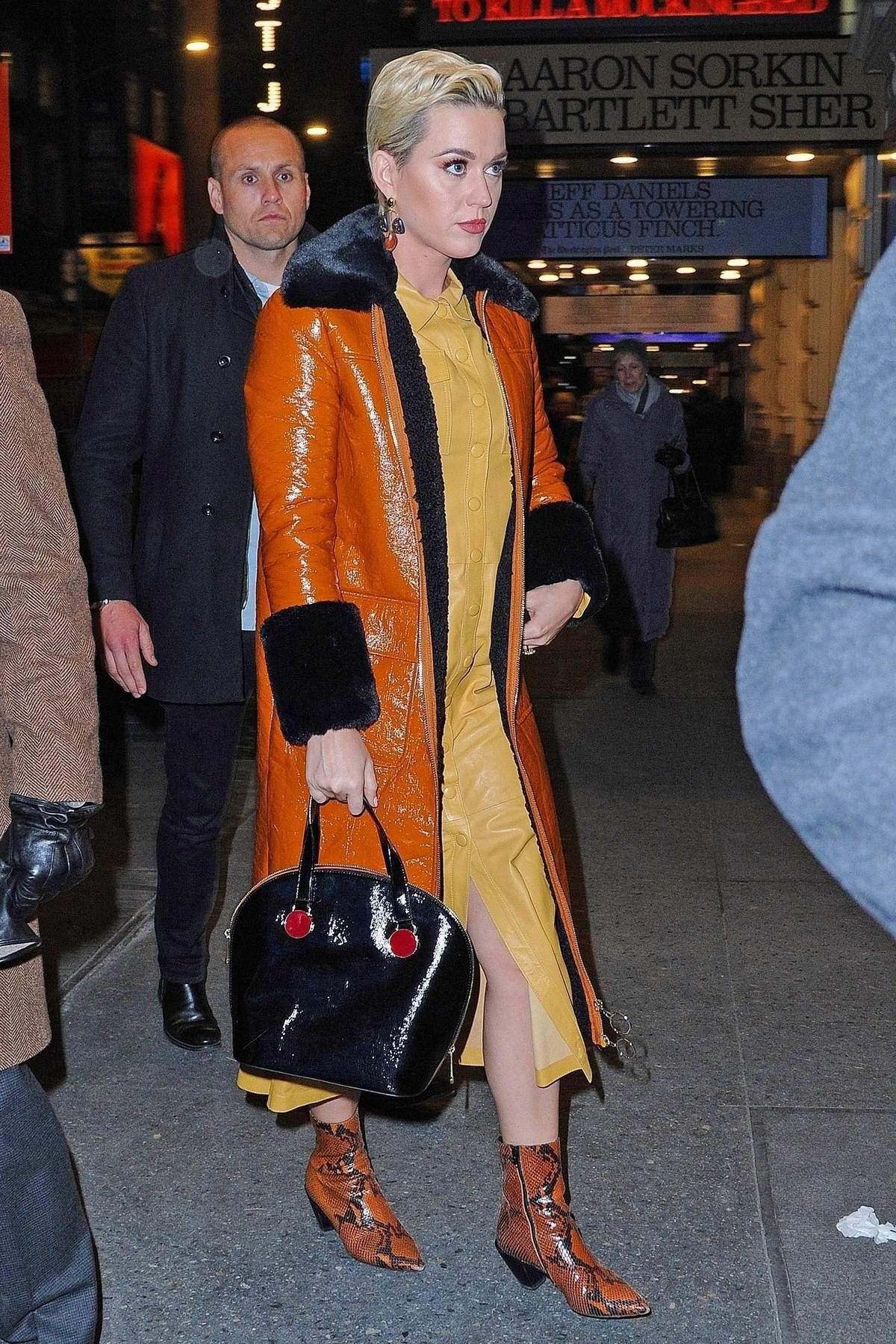 Katy Perry shows off her new engagement ring as she arrives at the 'To Kill a Mockingbird' on Broadway show in New York City