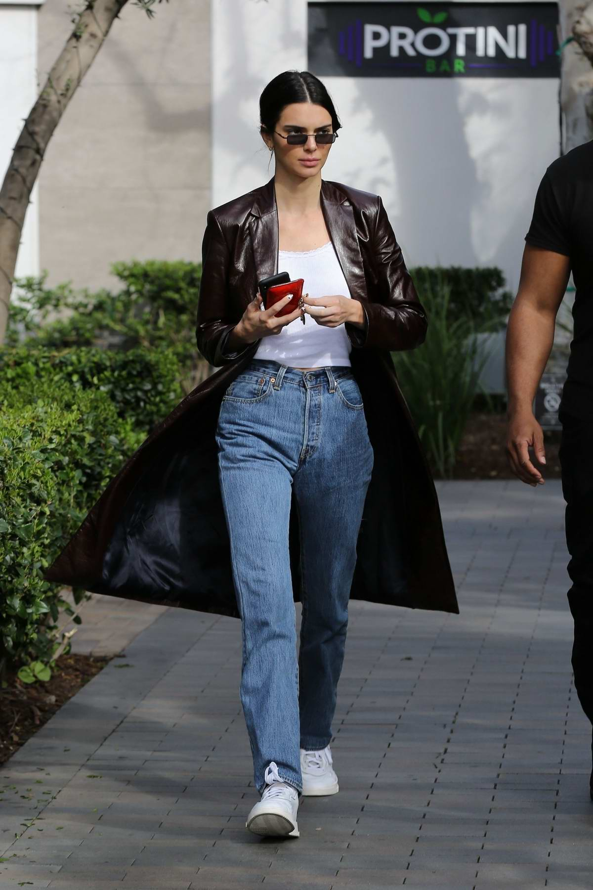 Kendall Jenner looks stylish as she shops at the Topanga Canyon Mall in Woodland Hills, California