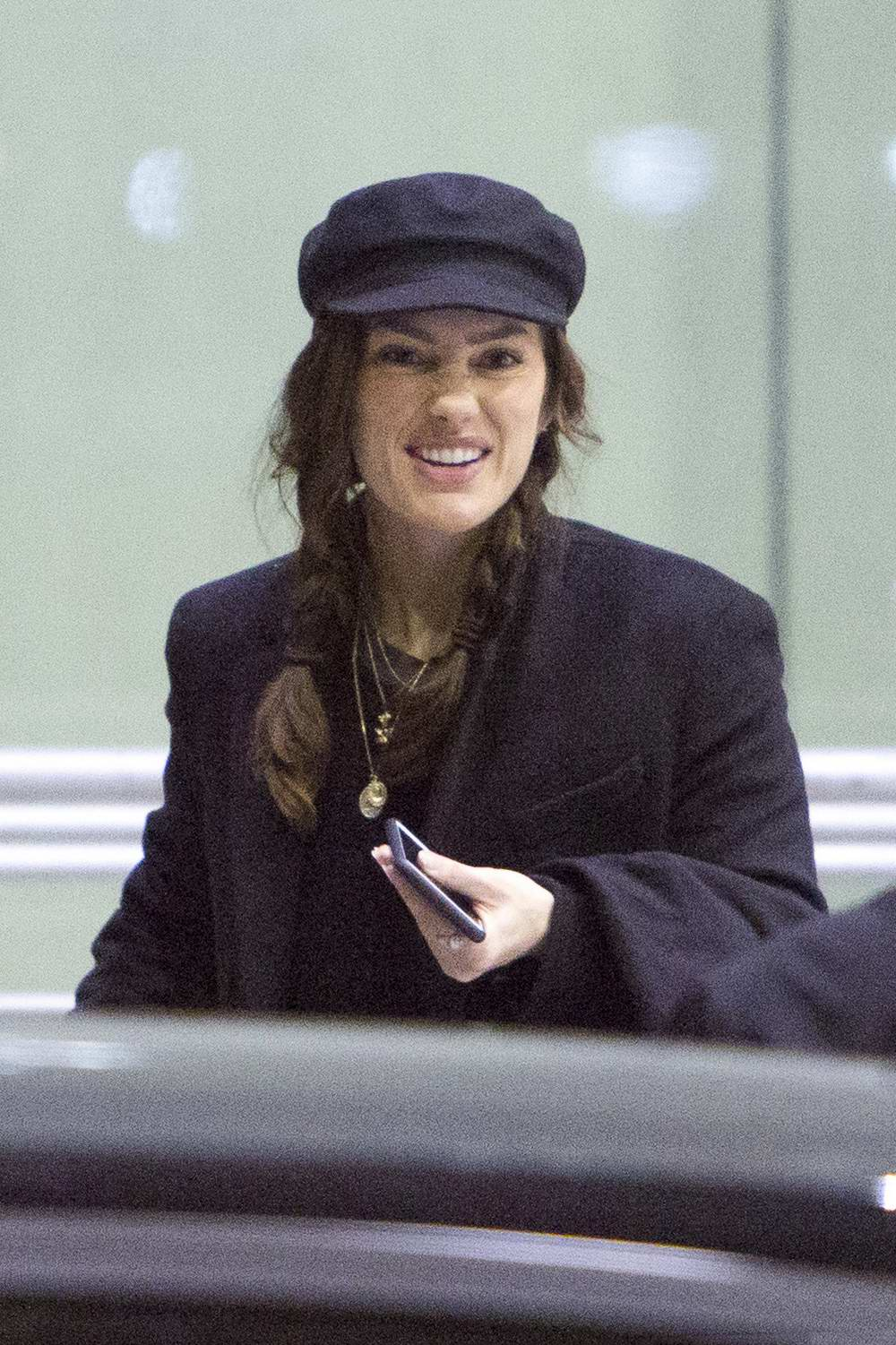 minka kelly spotted at the airport with her dog and ...