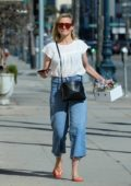 Cameron Diaz is spring ready as she steps out to buy a flower bouquet in Los Angeles