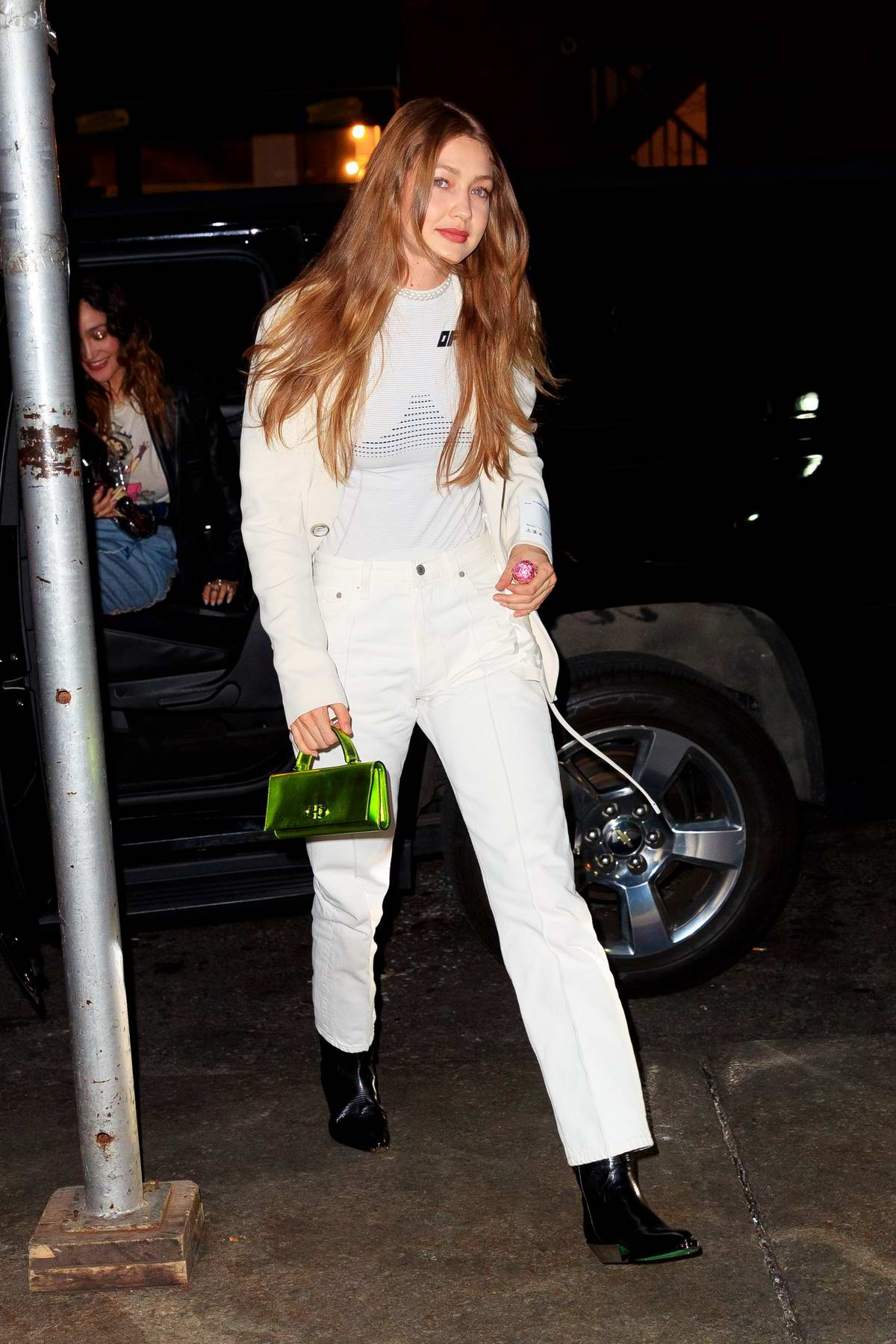 ec950477f58 gigi hadid dons all white as she heads out for dinner with friends in new  york city-300319_6