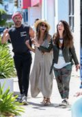 Halle Berry share a good laugh with her friends after lunch in Los Angeles