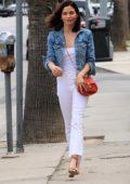 Jenna Dewan hugs a friend goodbye after grabbing lunch in Los Angeles