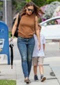 Jennifer Garner looks great in her sleeveless top and jeans as she enjoys an afternoon with her kids in Brentwood, Los Angeles