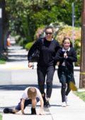 Jennifer Garner picks up her kids from school in Brentwood, Los Angeles