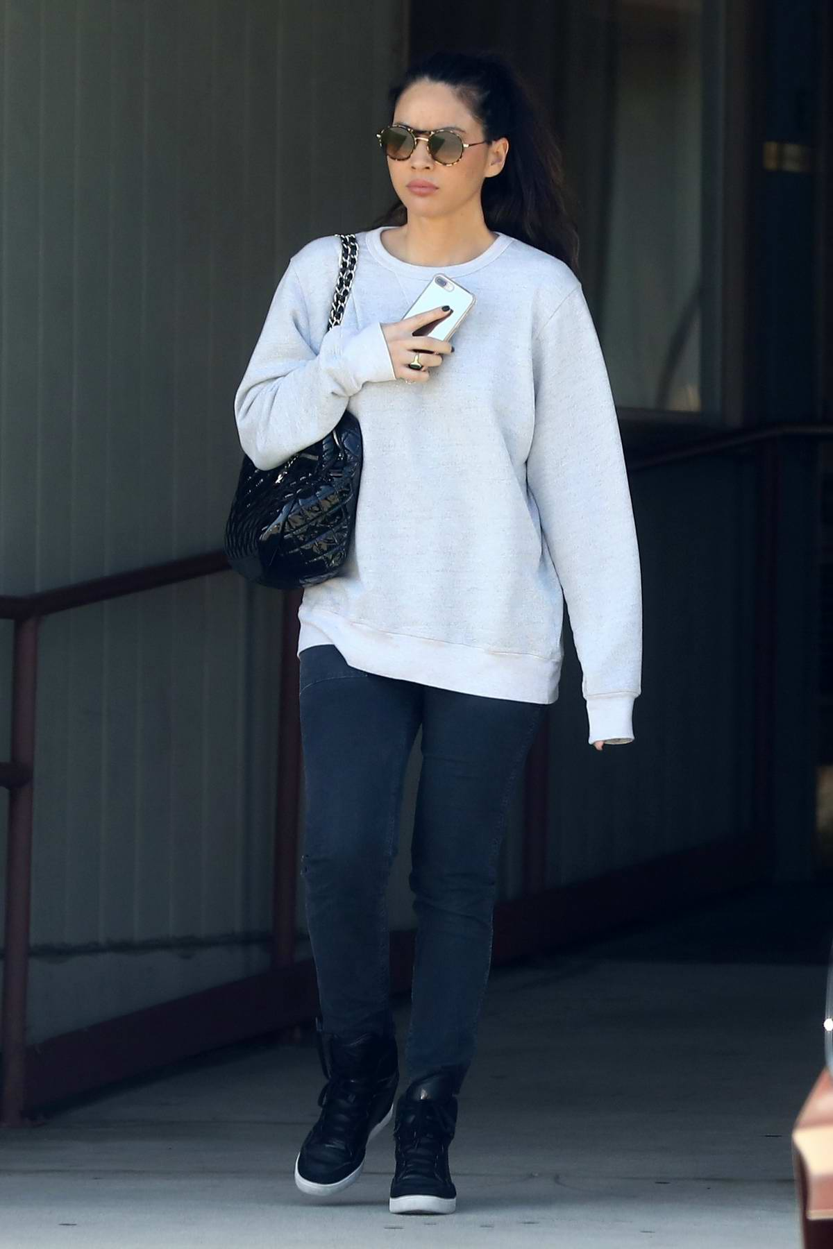 Olivia Munn keeps it casual during a Spa visit in Los Angeles